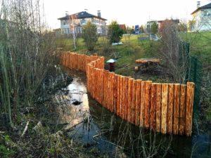 Берегоукрепление реки лиственницей в Истринским районе (МО, п.Бенилюкс)