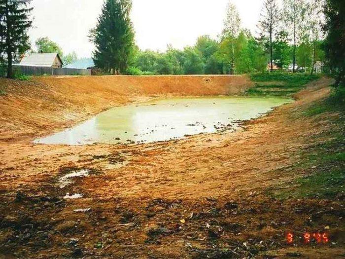 Копка пруда в Истринском районе (МО, д.Надовражино)