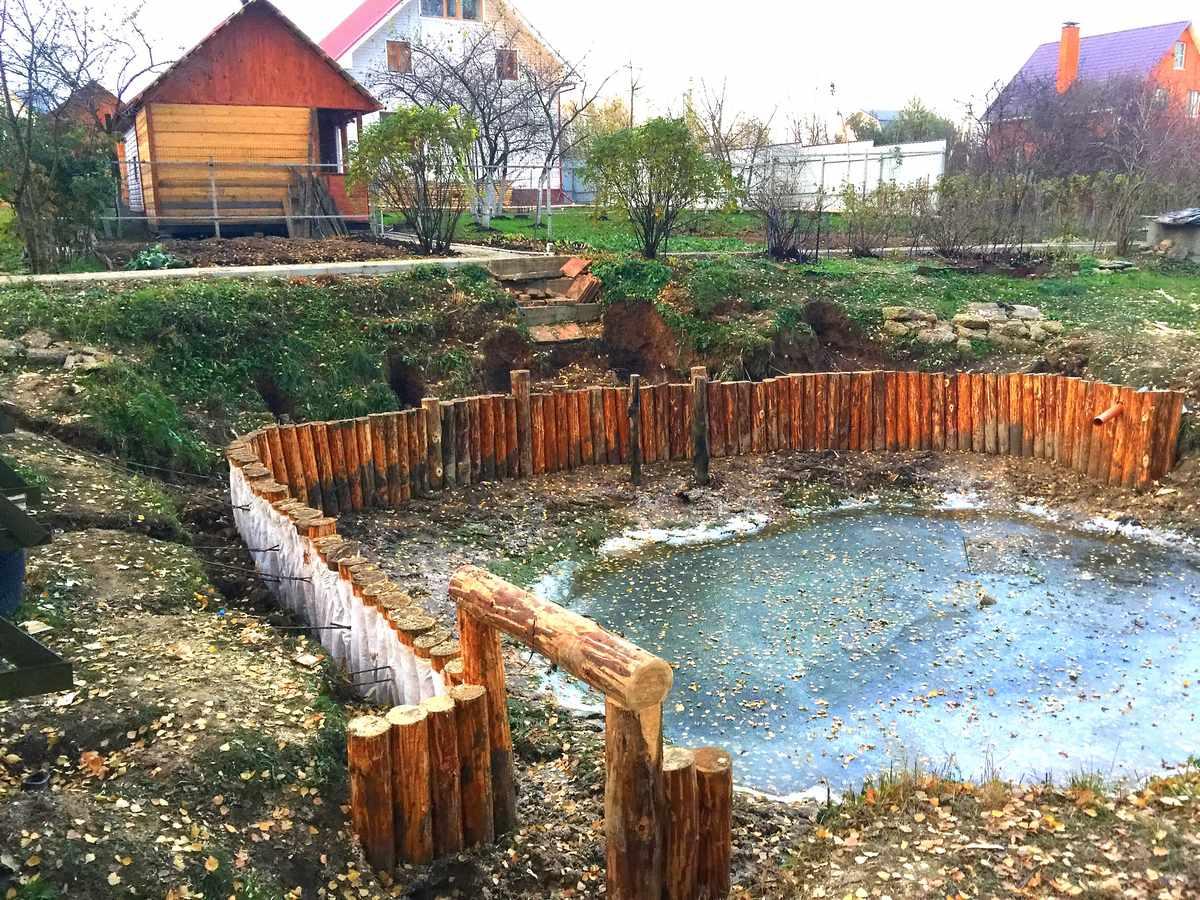 укрепление берега пруда